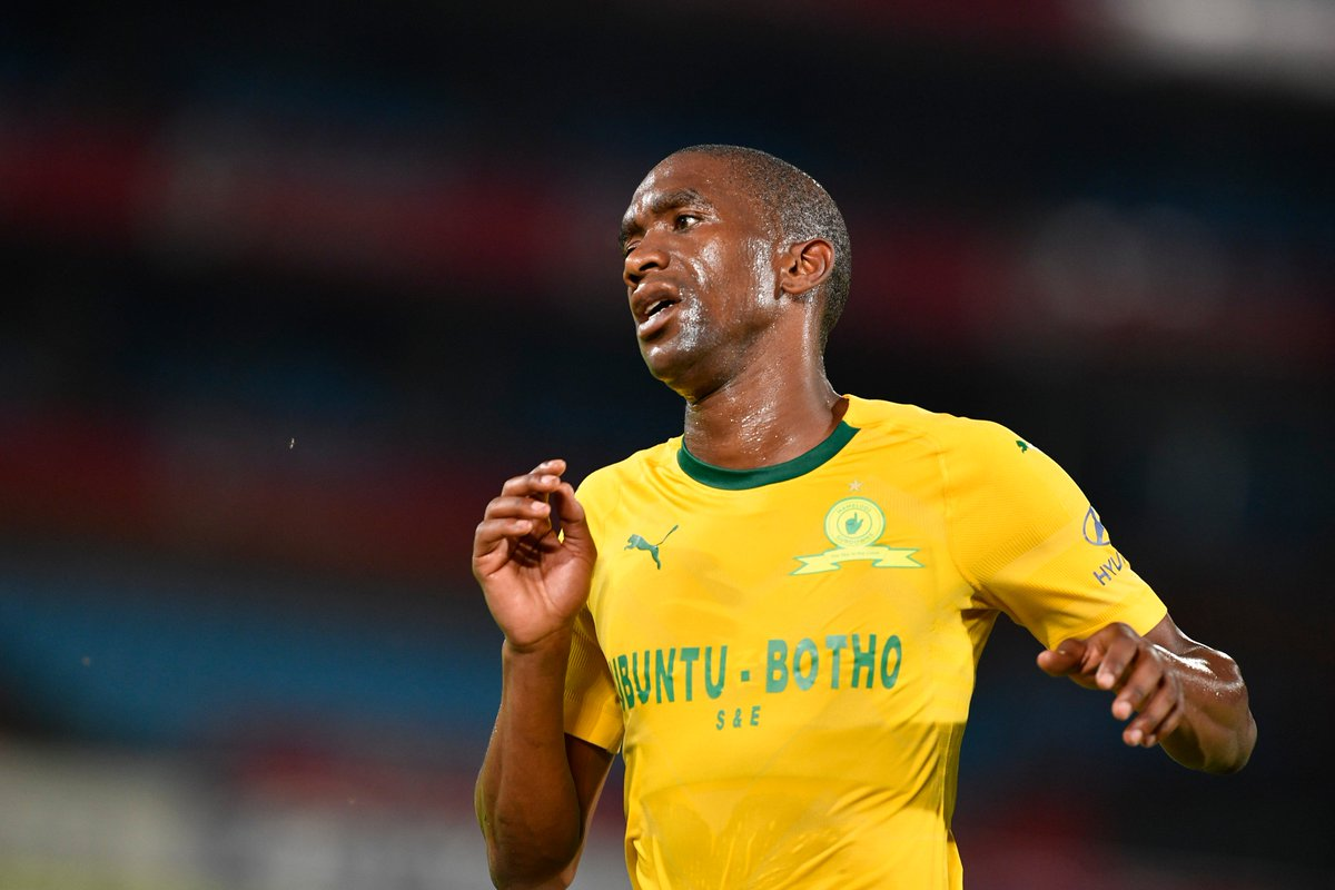Mamelodi Sundowns defender Anele Ngcongca dies at the age of 33