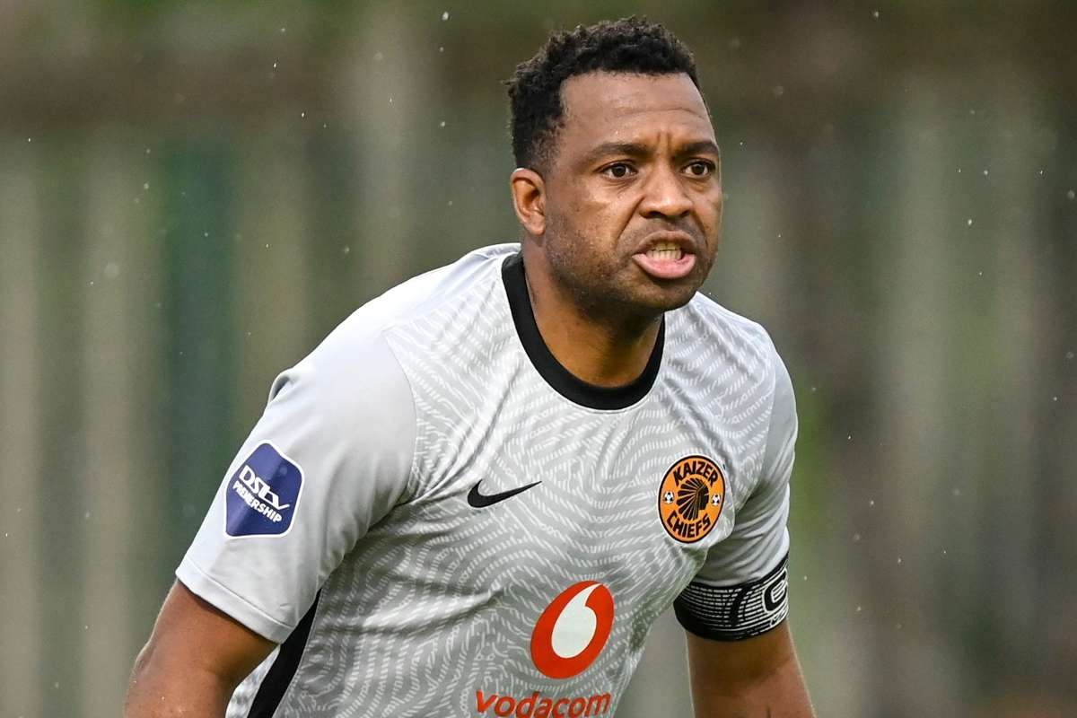 Itumeleng Khune gave the ball to the opponents twice